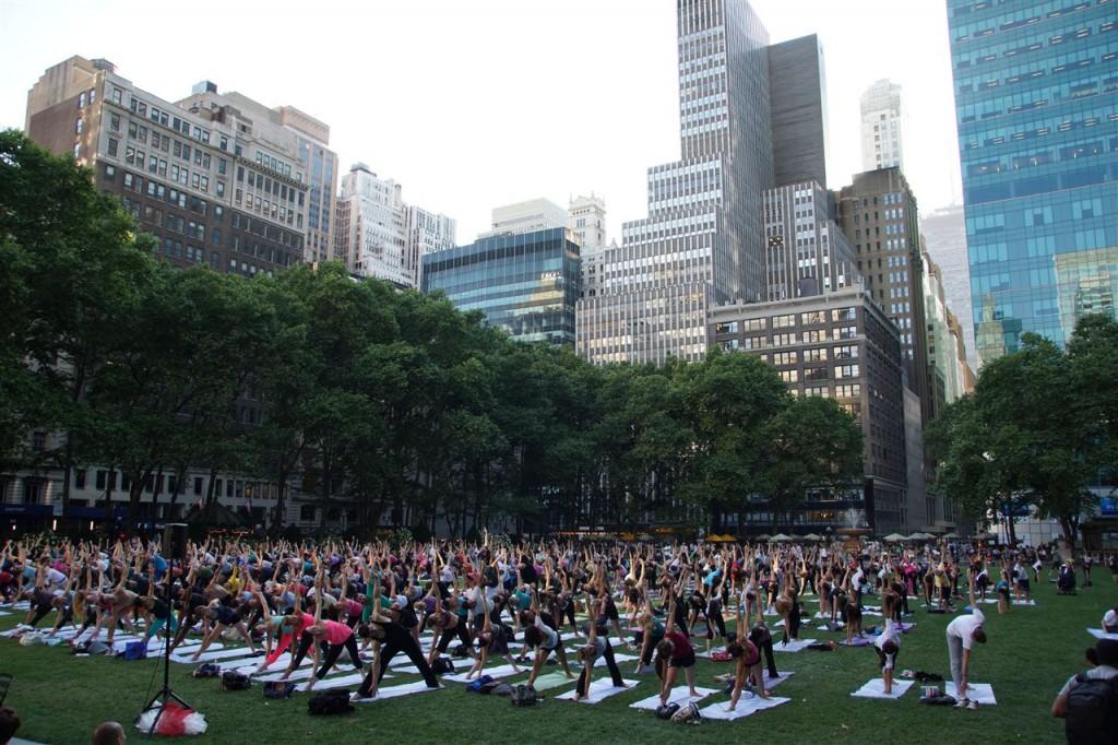 Yoga im Bryant Park